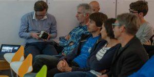 Interessiertes Publikum während der Diskussion